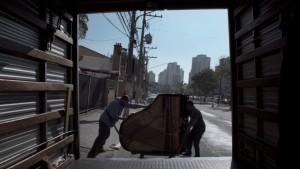 Fotos do filme o Piano que Conversa - Piano sendo carregado